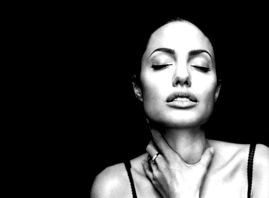 You are downloading angelina jolie black and white portrait wallpapers