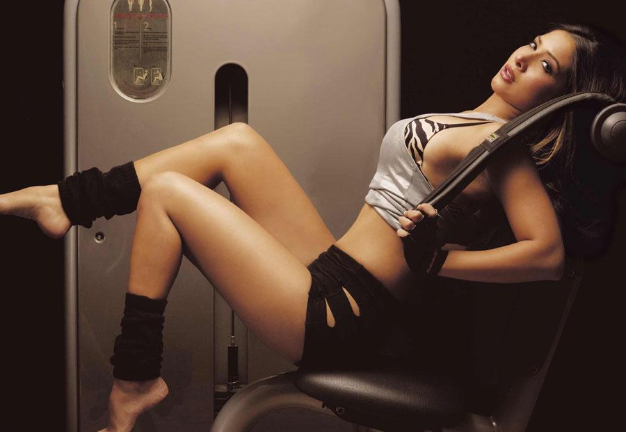Kim Sharma Bikini Pics 97