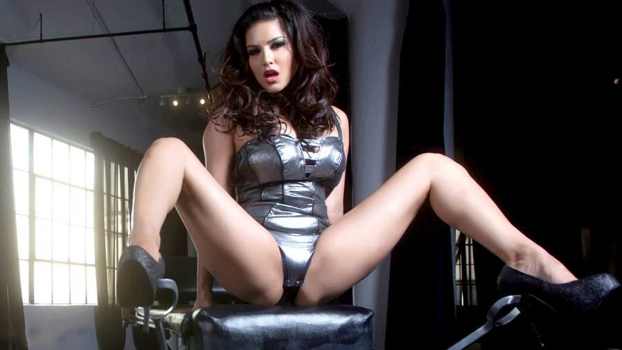 Sunny leone latest sexy hd wallpapers for Hot images blog