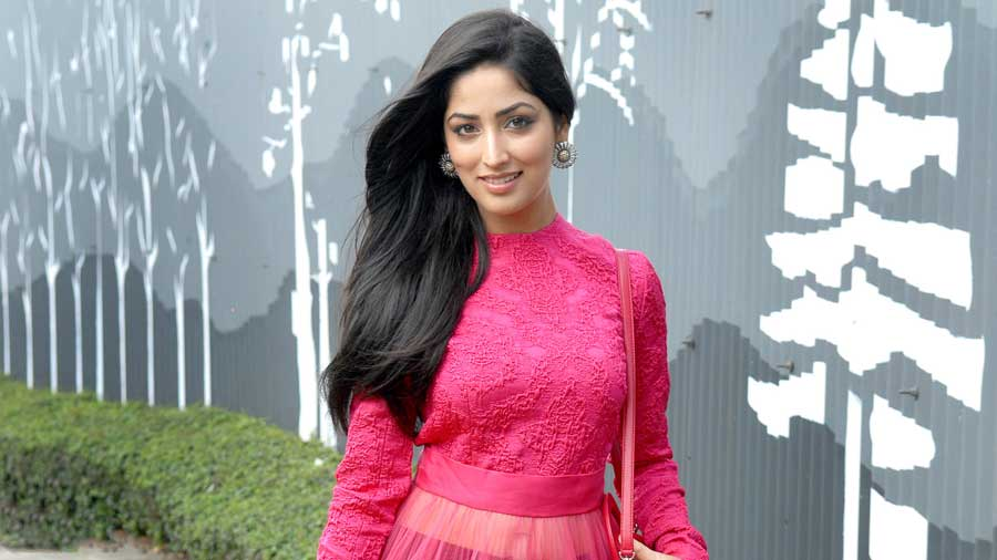 You Are Downloading Yami Gautam Pretty Hd Wallpapers