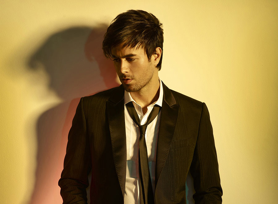 Enrique Iglesias Hd Wallpaper - Facebook Cover - PoPoPics.com