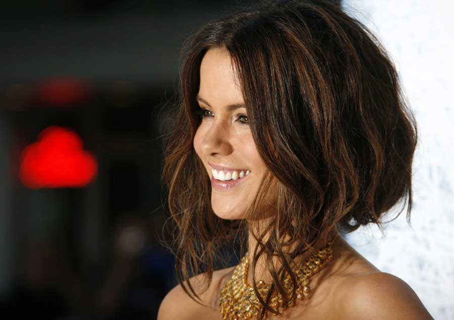 Facebook covers for kate beckinsale 13 24 popopics com