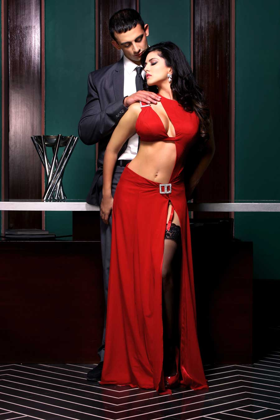Sunny Leone In Jism 2 Pics • PoPoPics.com