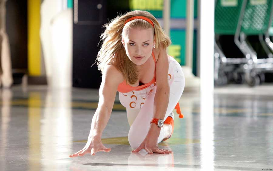 Yvonne Strahovski Sexy Cleavage• PoPoPics.com