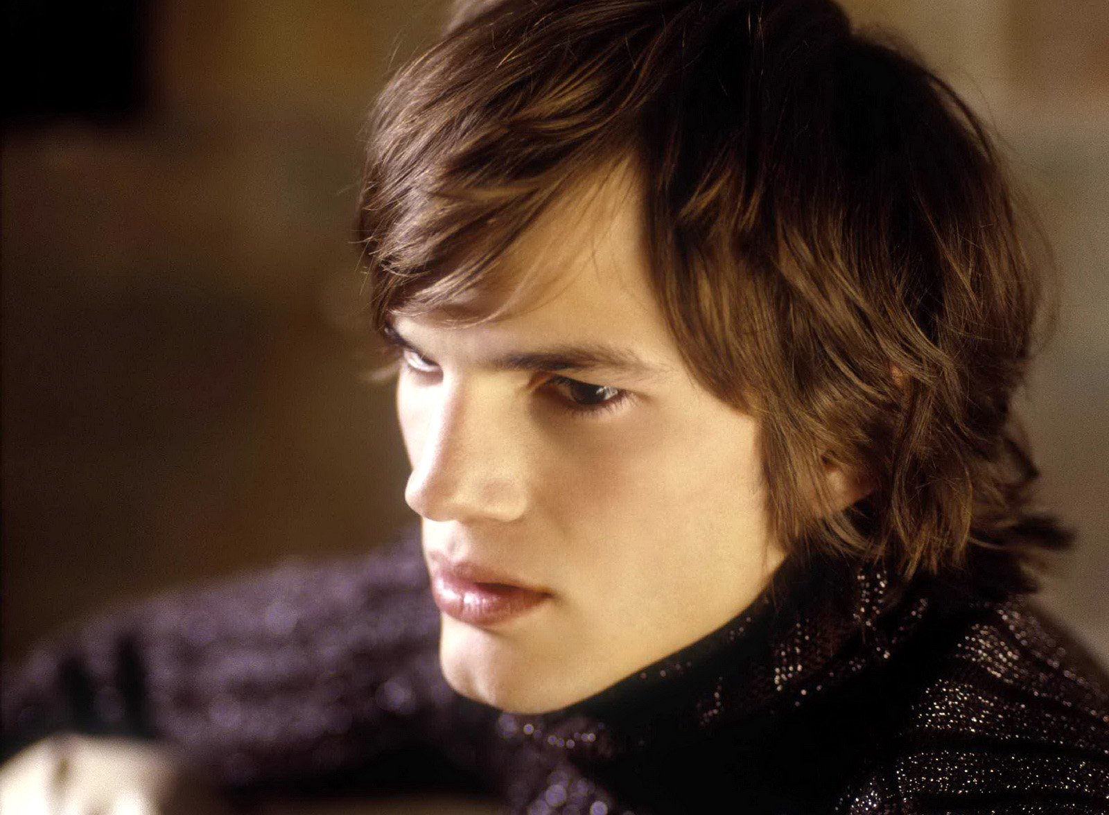 Ashton Kutcher Long Hair Close up wallpapers• PoPoPics.com