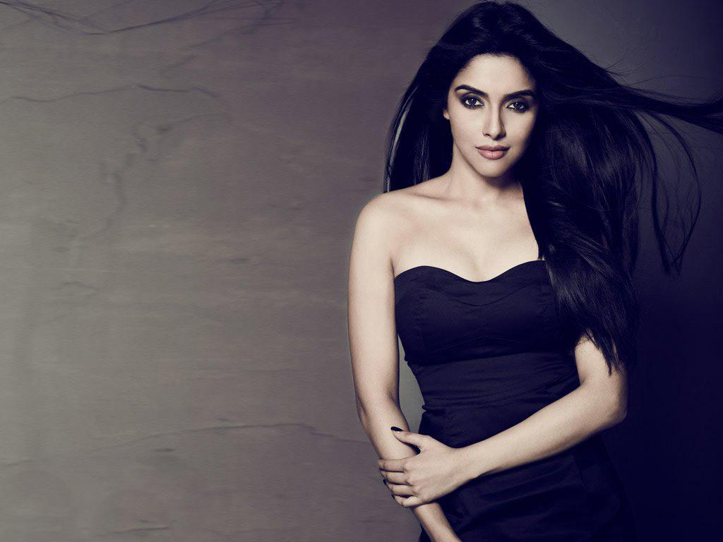 Asin Hd Wallpapers Asin Biography Bollywood Actress Photos: Facebook Covers For Asin • PoPoPics.com