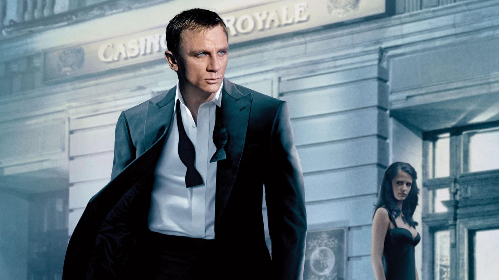 daniel craig as james bond wallpaper - facebook cover - popopics