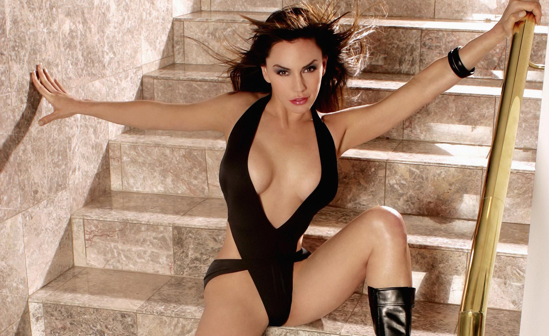 legs Katrina kaif sexy