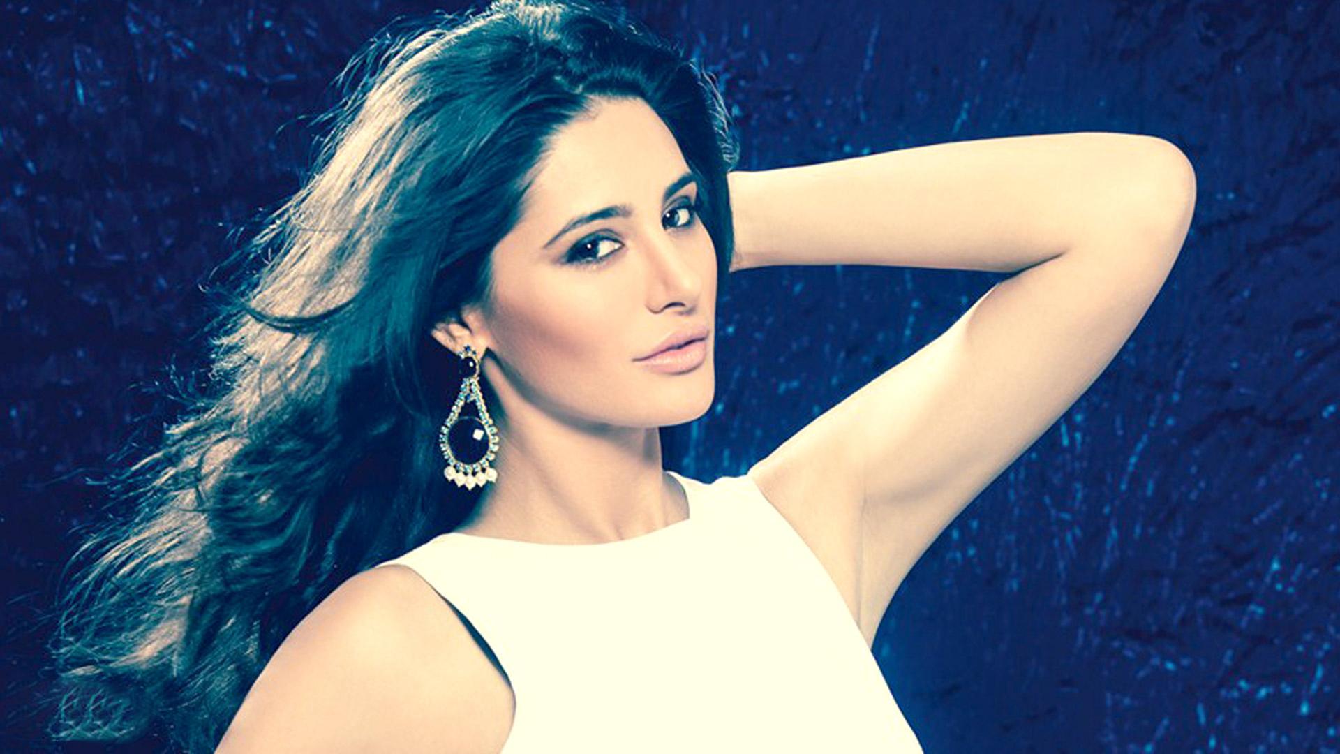 Celebrities Hd Wallpaper Download Nargis Fakhri Hd