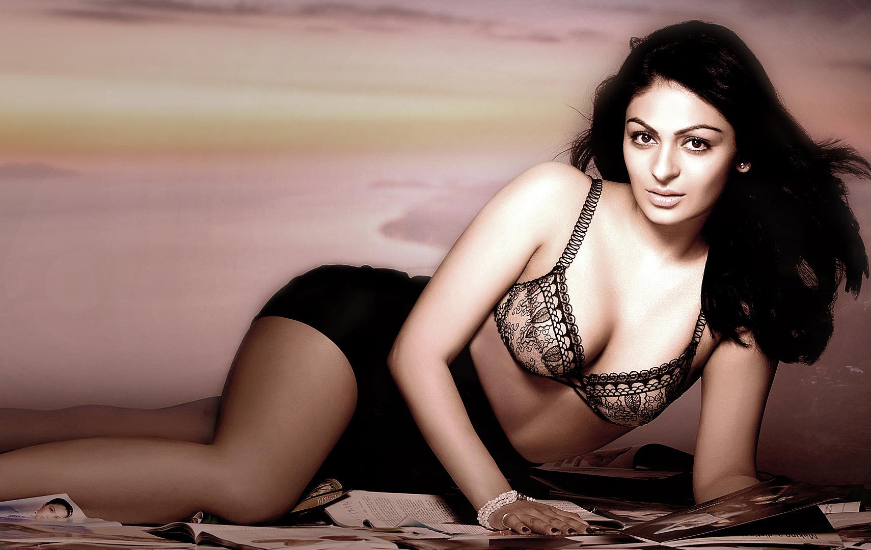 Neeru bajwa sexy photos