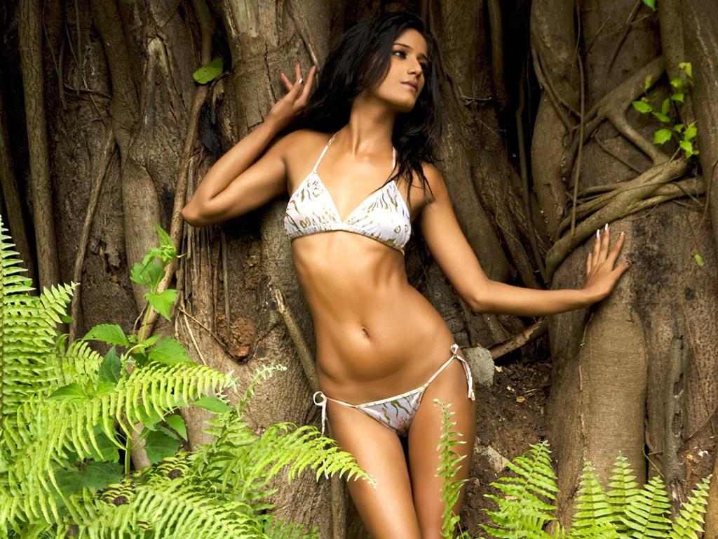 Teena singh hot bikini and fucking scene - 2 7