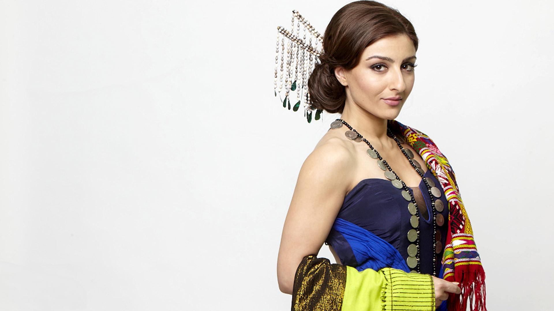 facebook covers for soha ali khan • popopics