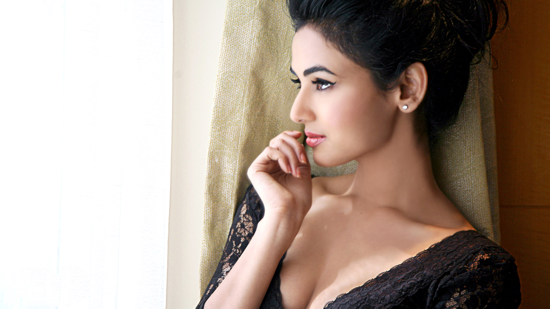 facebook covers for sonal chauhan • popopics