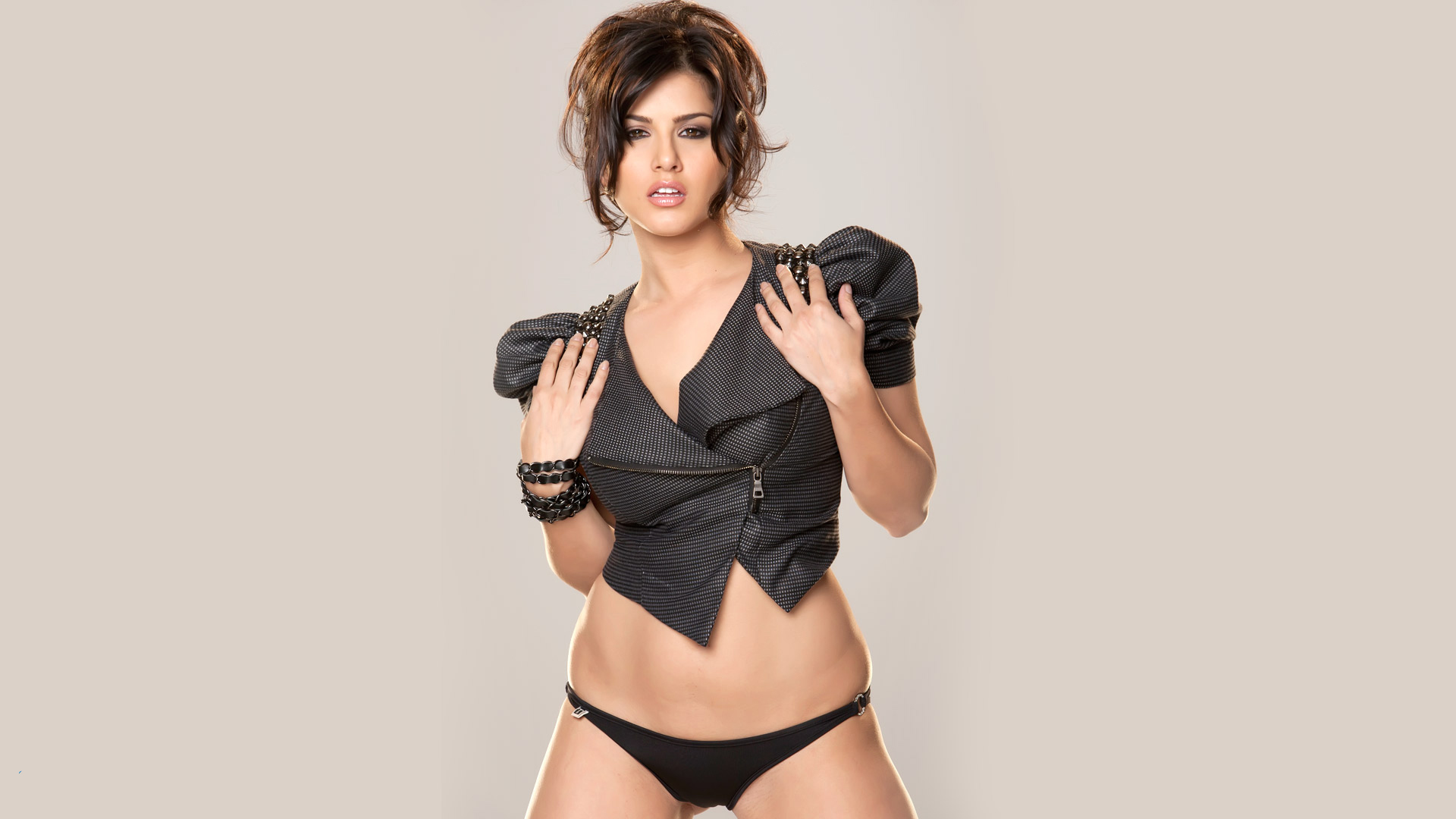 sunny leone in black latest hd wallpapers - facebook cover