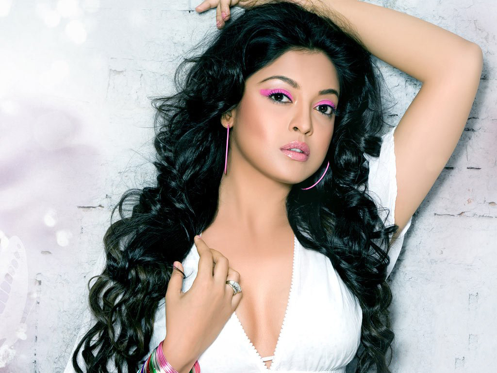 Tanushree Dutta Nude Photos 30