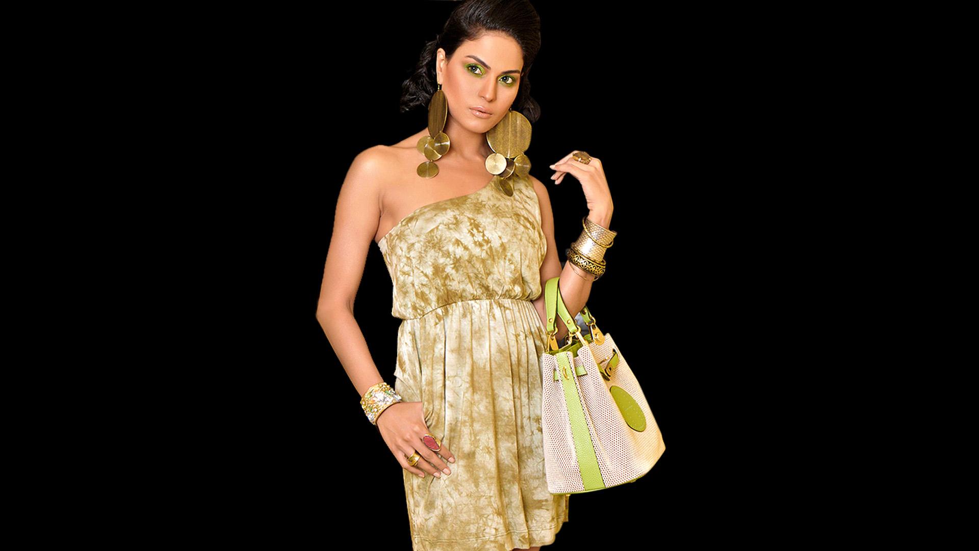 Facebook Covers For Veena Malik Popopicscom