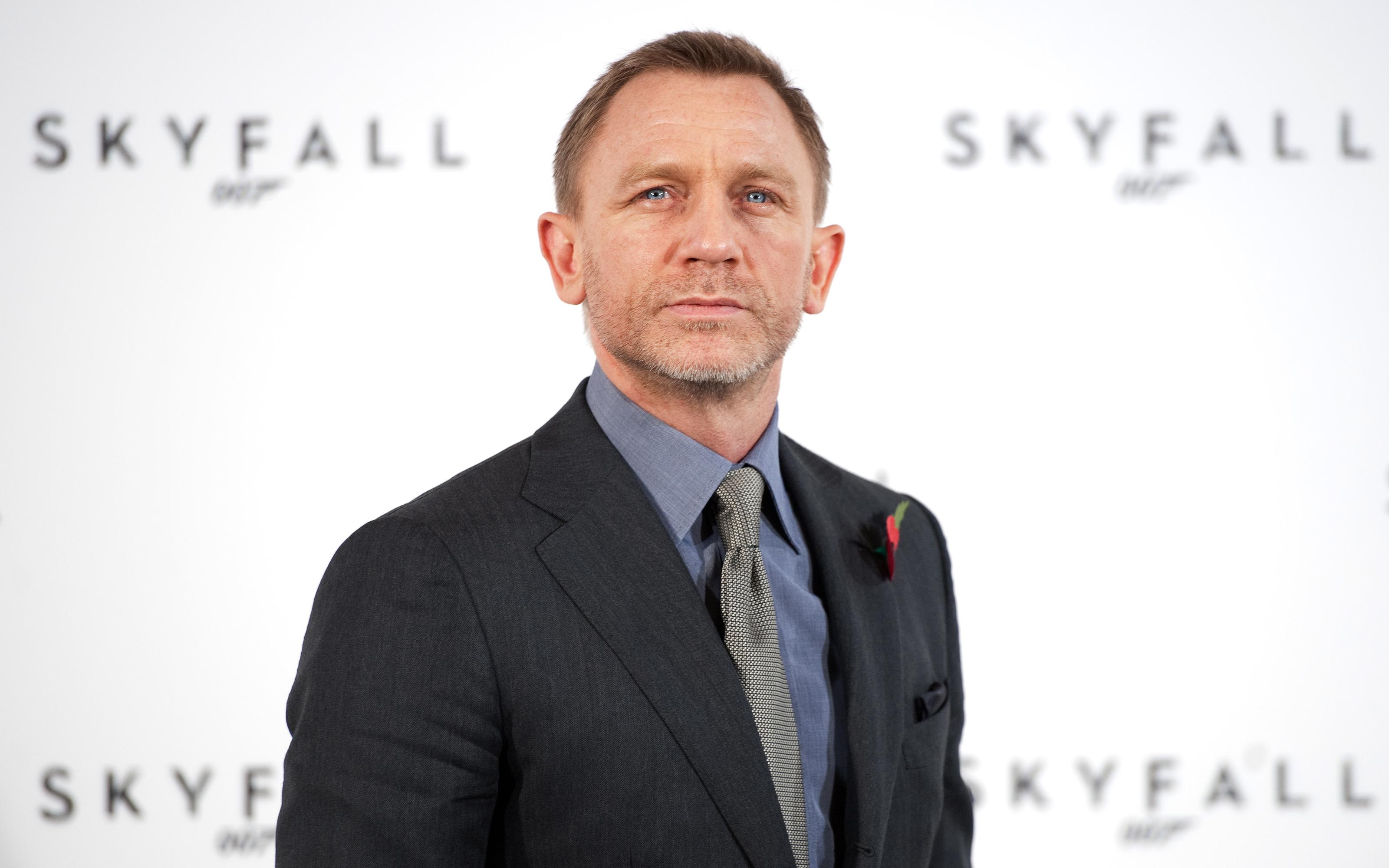 Daniel Craig HD Wallpapers • PoPoPics.com