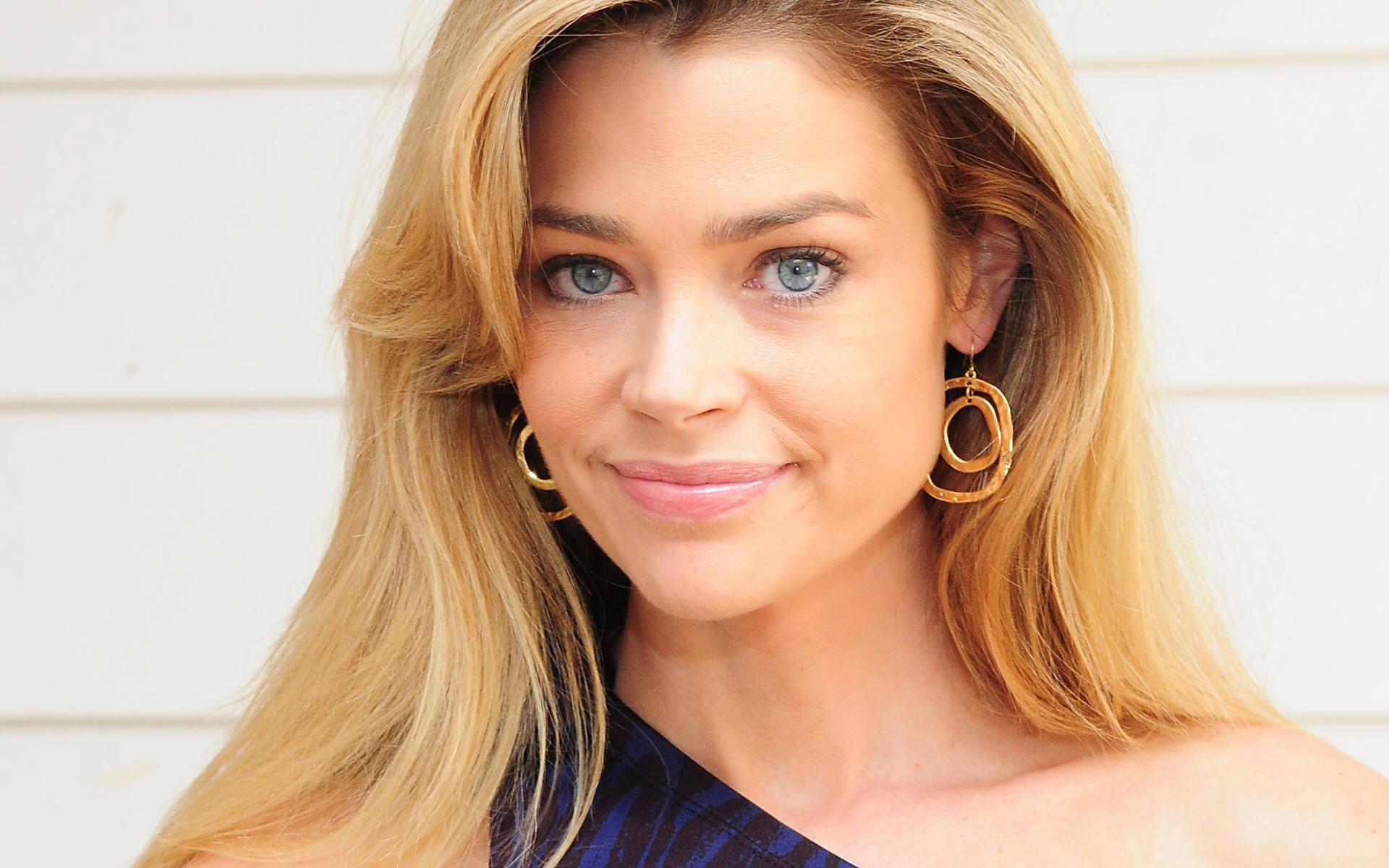 Denise Richards New Smile Pic• PoPoPics.com