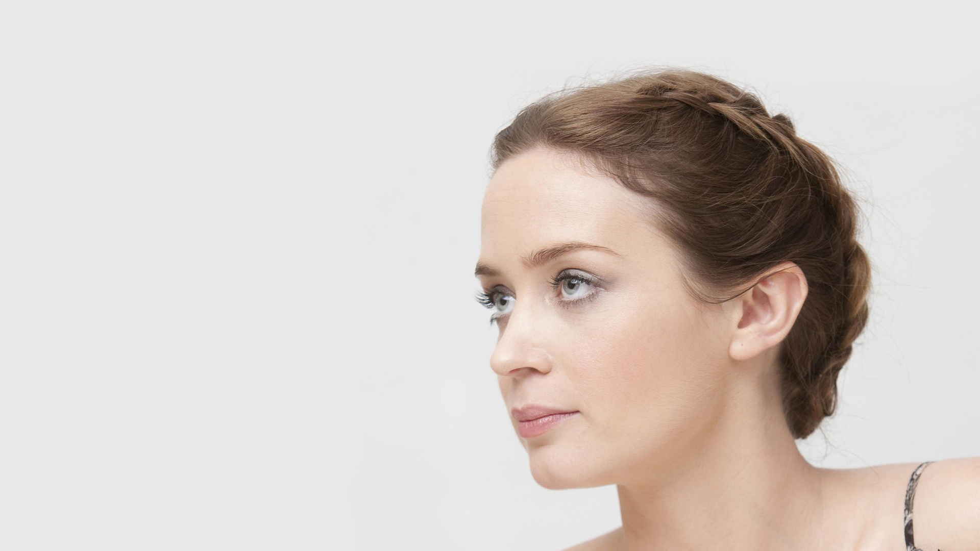 Emily Blunt Hairstyle ...