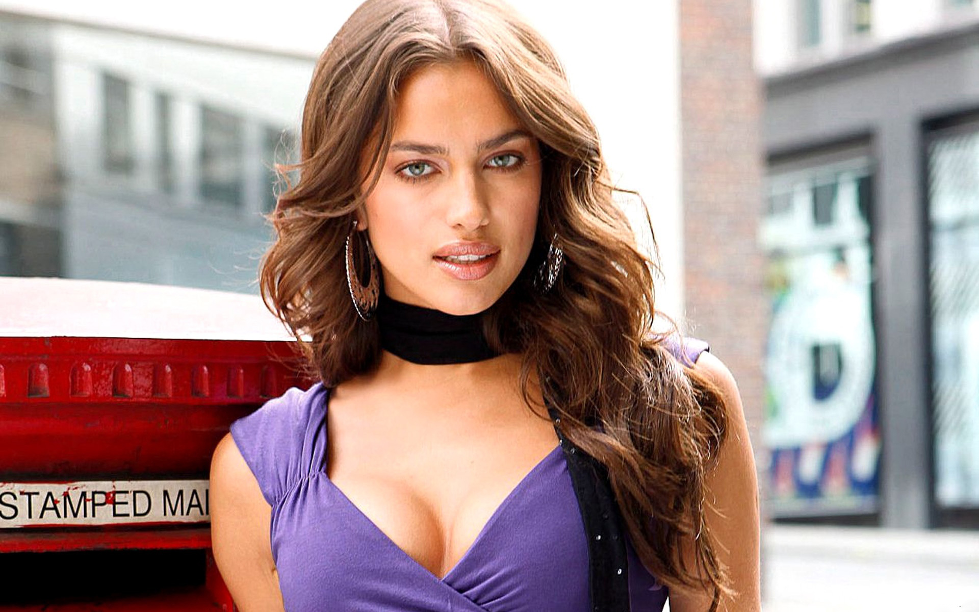Irina shayk sexy boobs