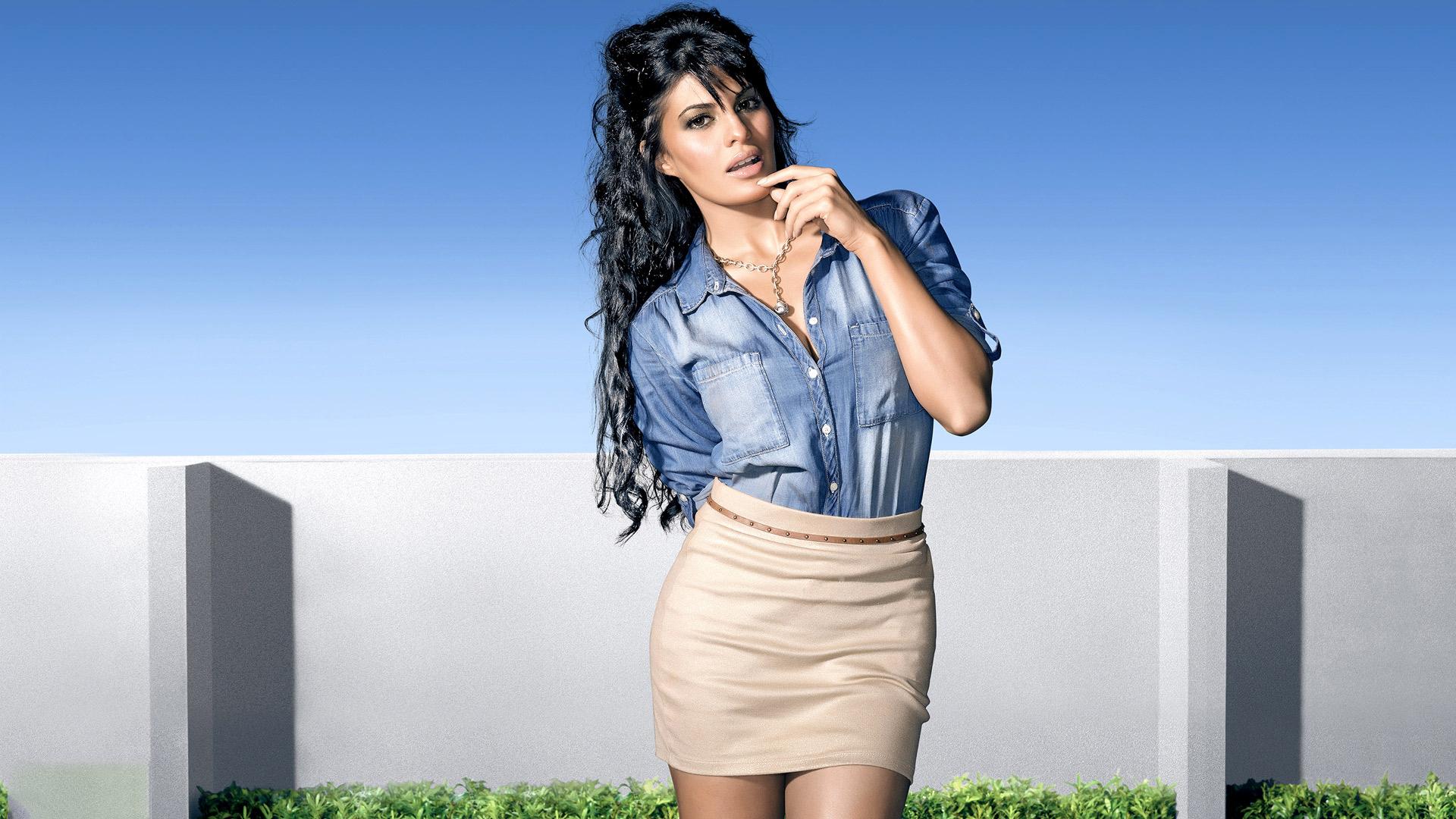 Hd wallpaper xperia c3 - Jacqueline Fernandez Hot Photoshoot Popopics Com
