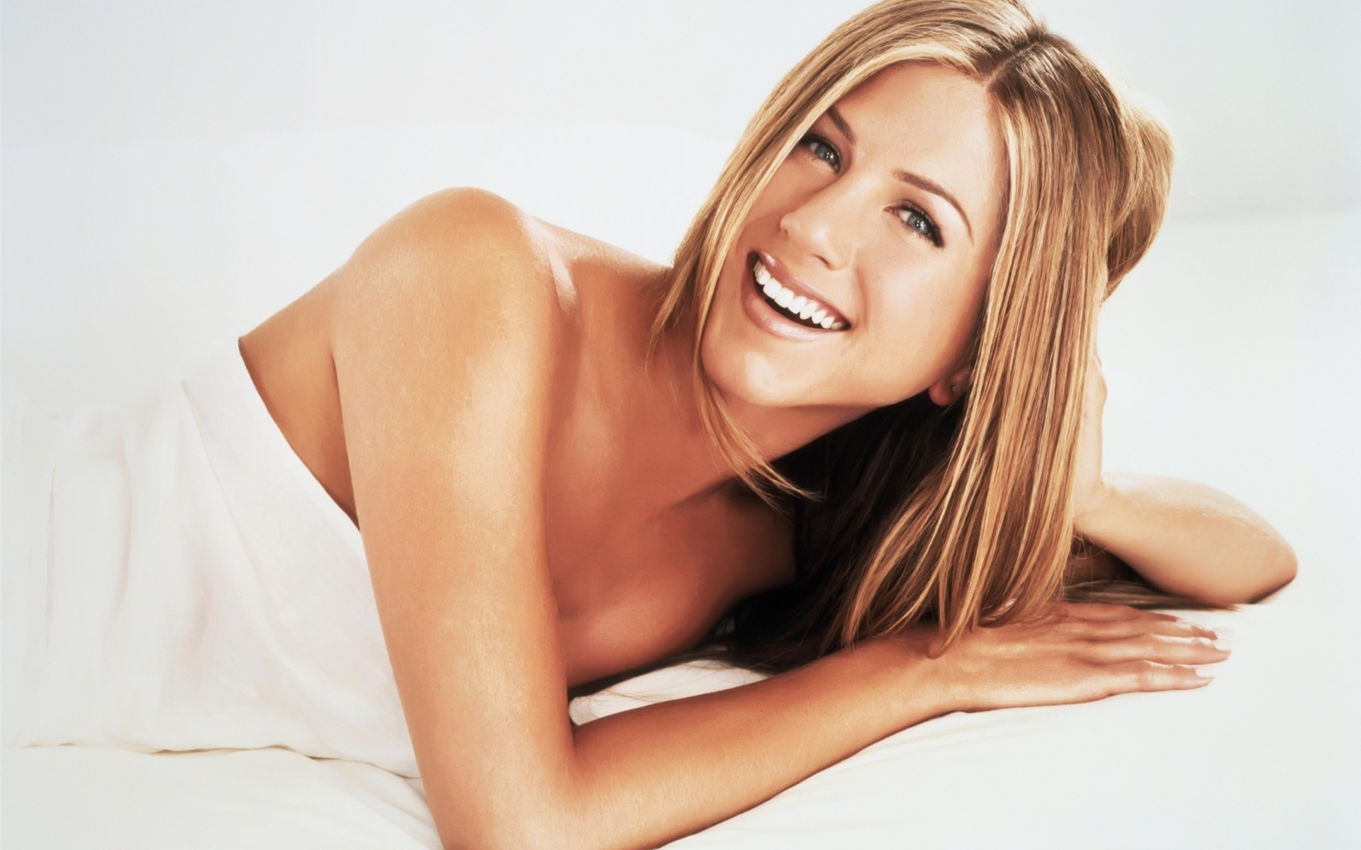 Naked pictures of jennifer aniston pic 53