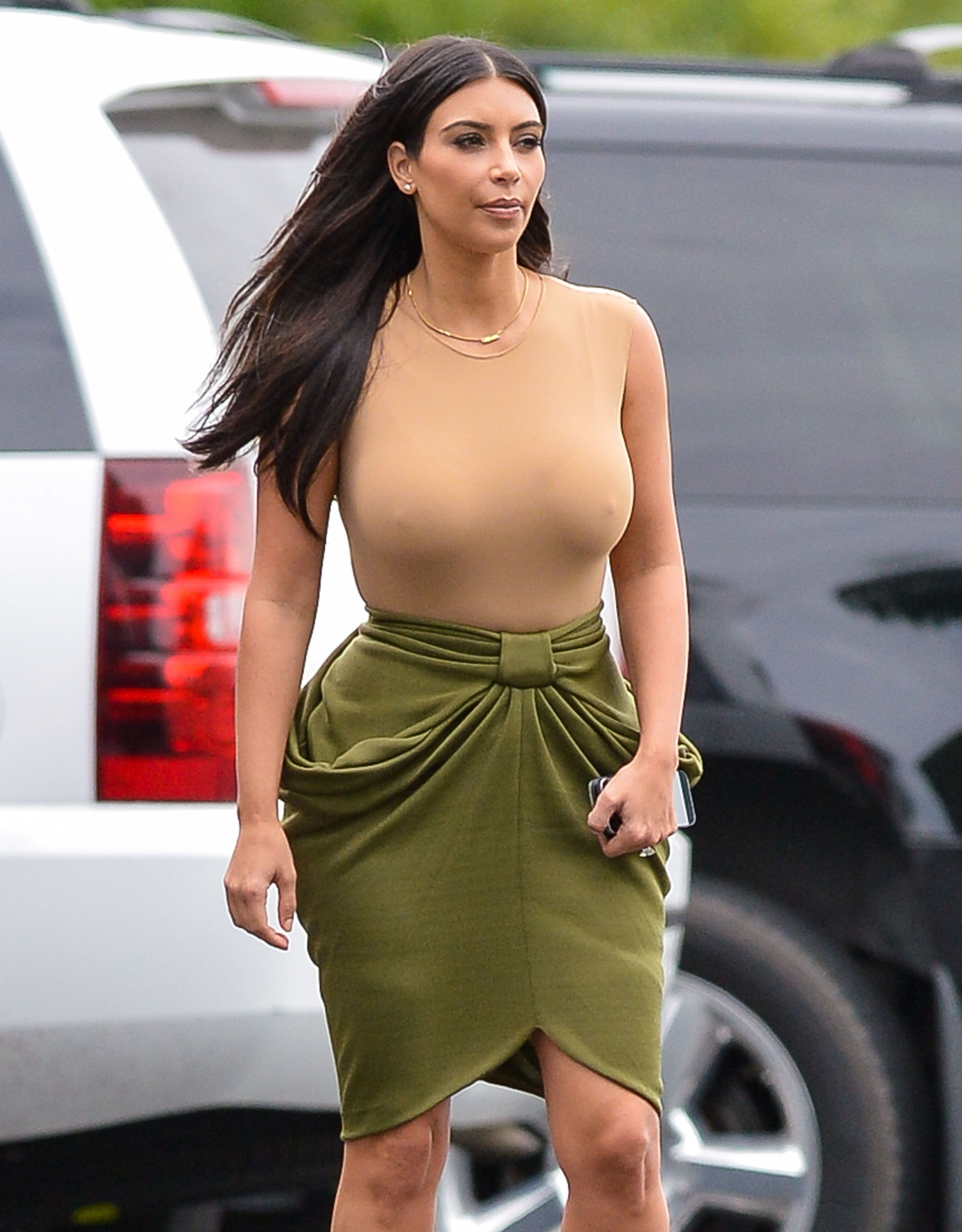 How Big Are Kim Kardashians Boobs 77