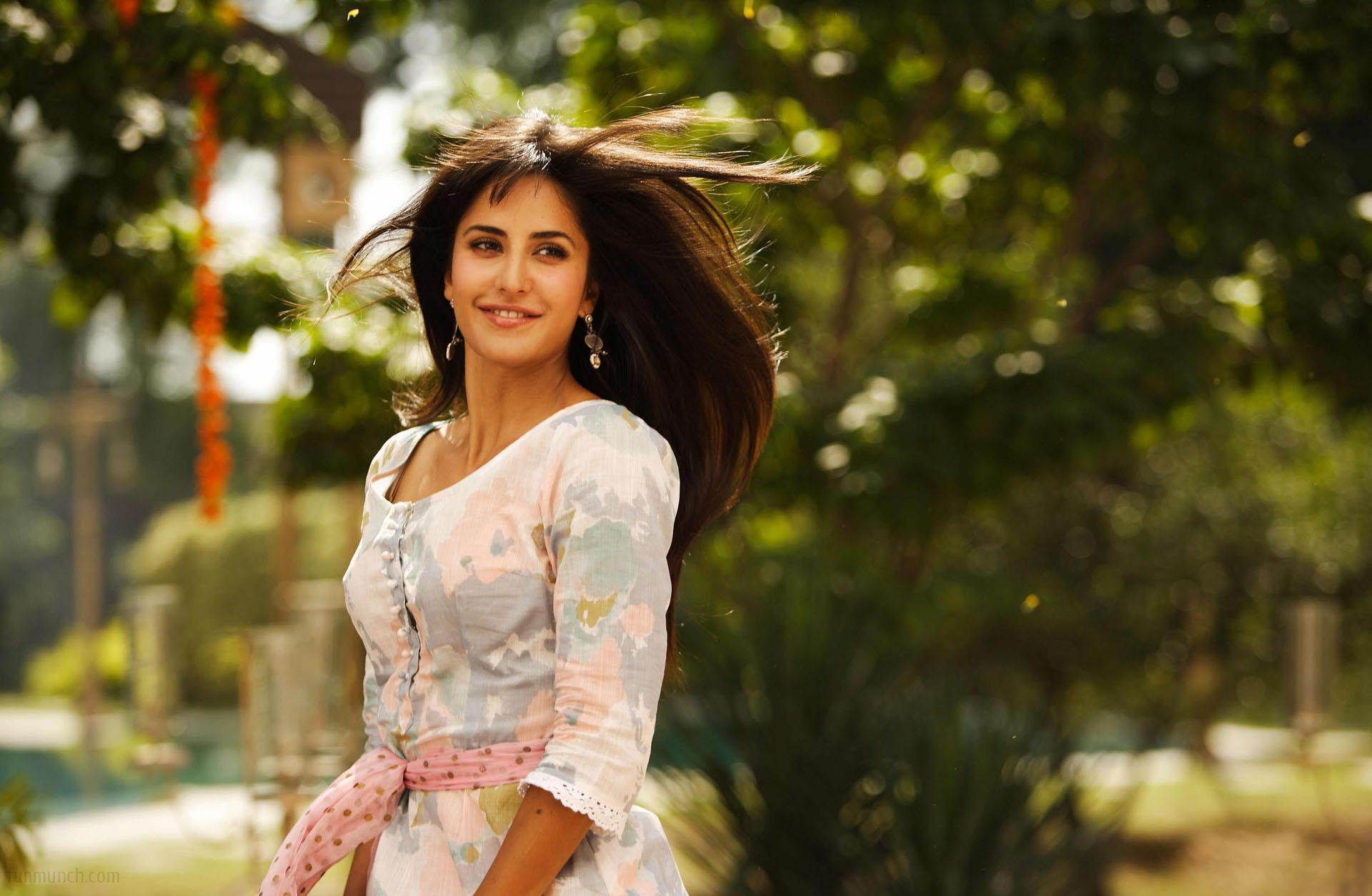 Katrina Kaif HD Wallpapers [49-60] • PoPoPics.com